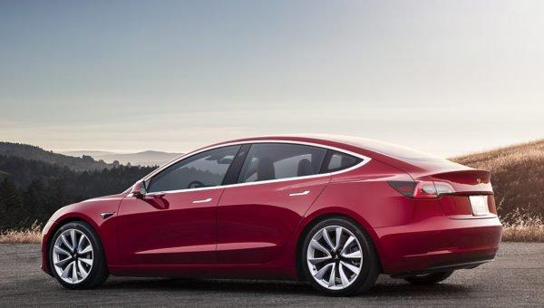 Tesla model 3 Red